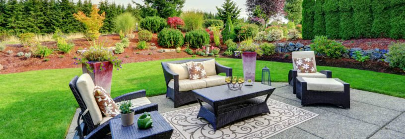 Outdoor patio with wicker furniture